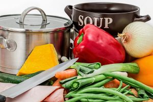 ירקות וכלי בישול
